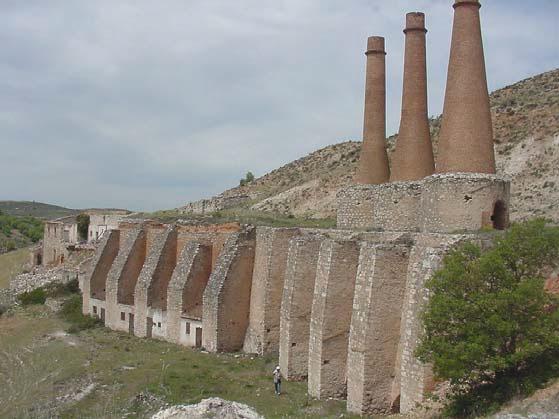 F brica cementos chimeneas industriales de ladrillo for Fabrica de chimeneas